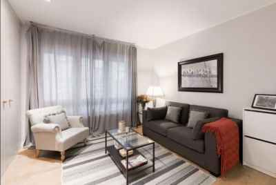 Bright spacious apartment in prestigious district of Barcelona
